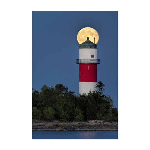 Boosted Lighthouse by Ulf Asplund